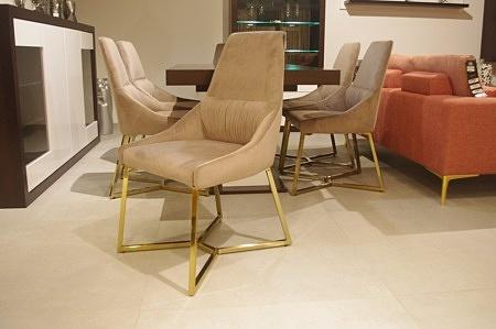Eleganckie krzesła do salonu złote chromowane