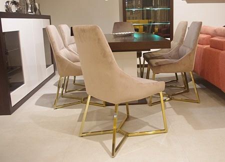krzesła do salonu piękne