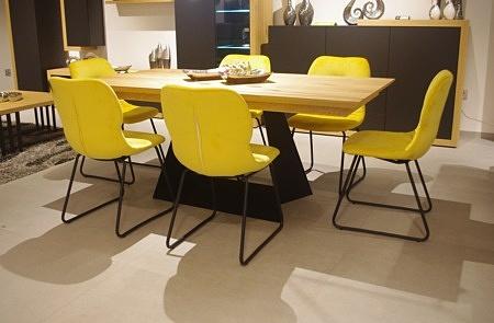 krzesło do salonu ładne i wygodne