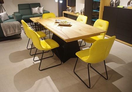 krzesło żółte do salonu nowoczesne