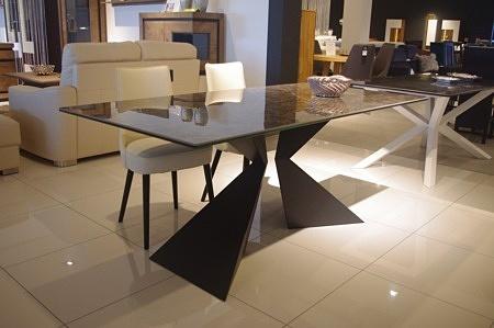 ładny stół metalowy industrialny