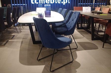 Nowoczesne krzesła do salonu granatowe