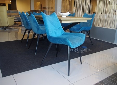 Nowoczesne krzesła od ręki
