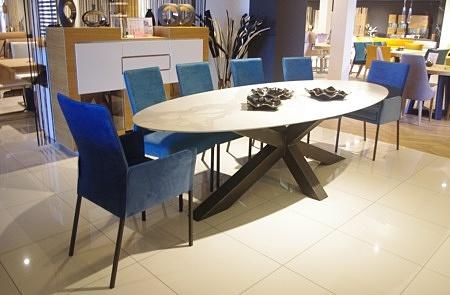 Stół z blatem owalnym spiek