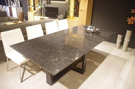 Stół ze spiekiem kamień Nero Greco połysk