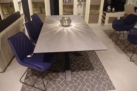 Piękny stół do salonu industrialny surowa noga
