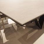Spiek kwarcowy na stole spieki