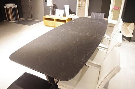 Stół z blatem ze spieku