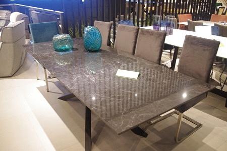 Stół z blatem ze spieku kamień czarny