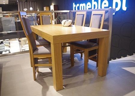 Stół z nogami dębowymi jasny kolor