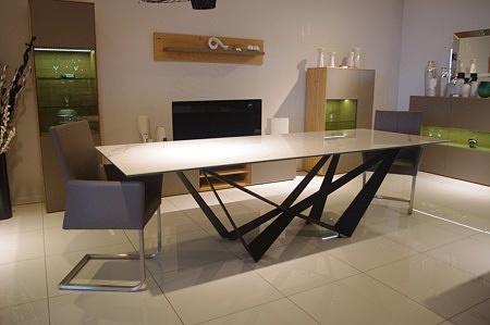 Stół ze spieku do salonu masywny