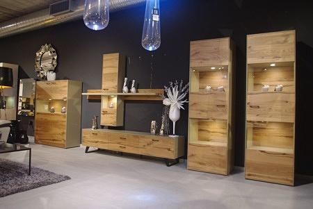 Meble do salonu drewniane ze szkłem i lakierowane