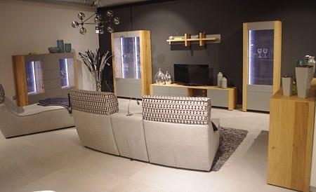 piękne meble do industrialnego salonu loft