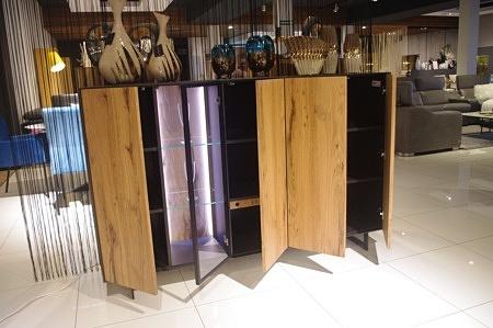 Wnętrze komody z drewnianej madryt