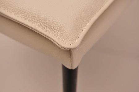 Krzesła na czarnej metalowych nóżkach loft nowoczesnego wnętrza najlepsza jakość przeszycie skóra na zamówienie Dobrodzień tcmeble.pl