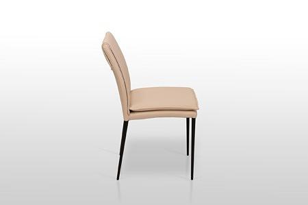 Krzesło fantasy wykoanne z włoskiej naturalnej białej skóry na metalowych nóżkach tcmeble.pl loft