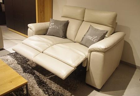 Sofa z relaxem manualnym szara