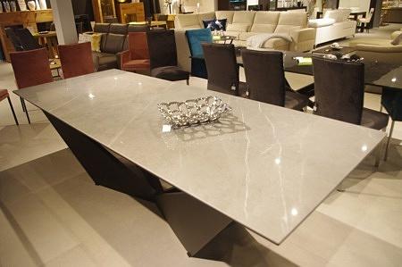 Stół loftowy do salonu czarne nogi