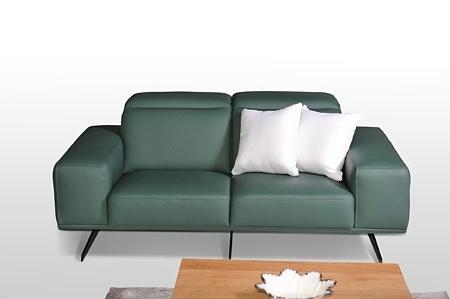 Giotto - wygodna skórzana sofa, regulacja zagłówków, skóra naturalna butelkowa zieleń, białe poduszki, smukłe nóżki