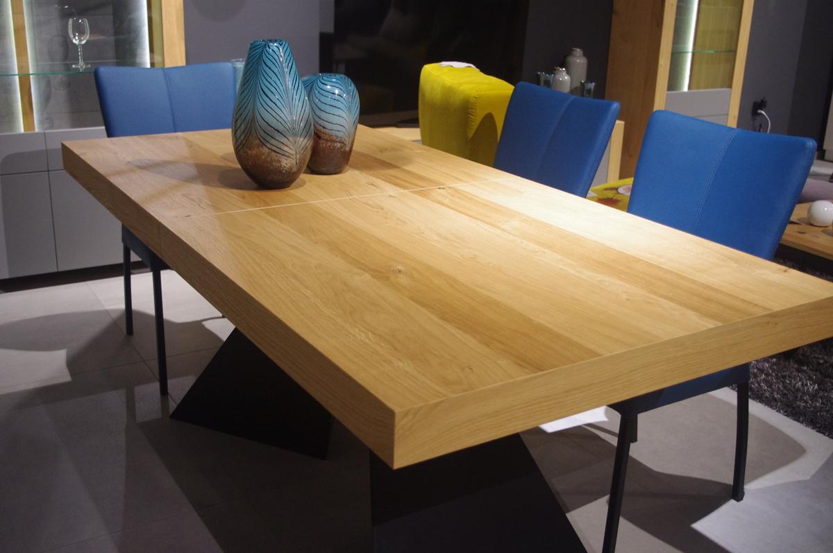 Stół industrialny z blatem drewnianym