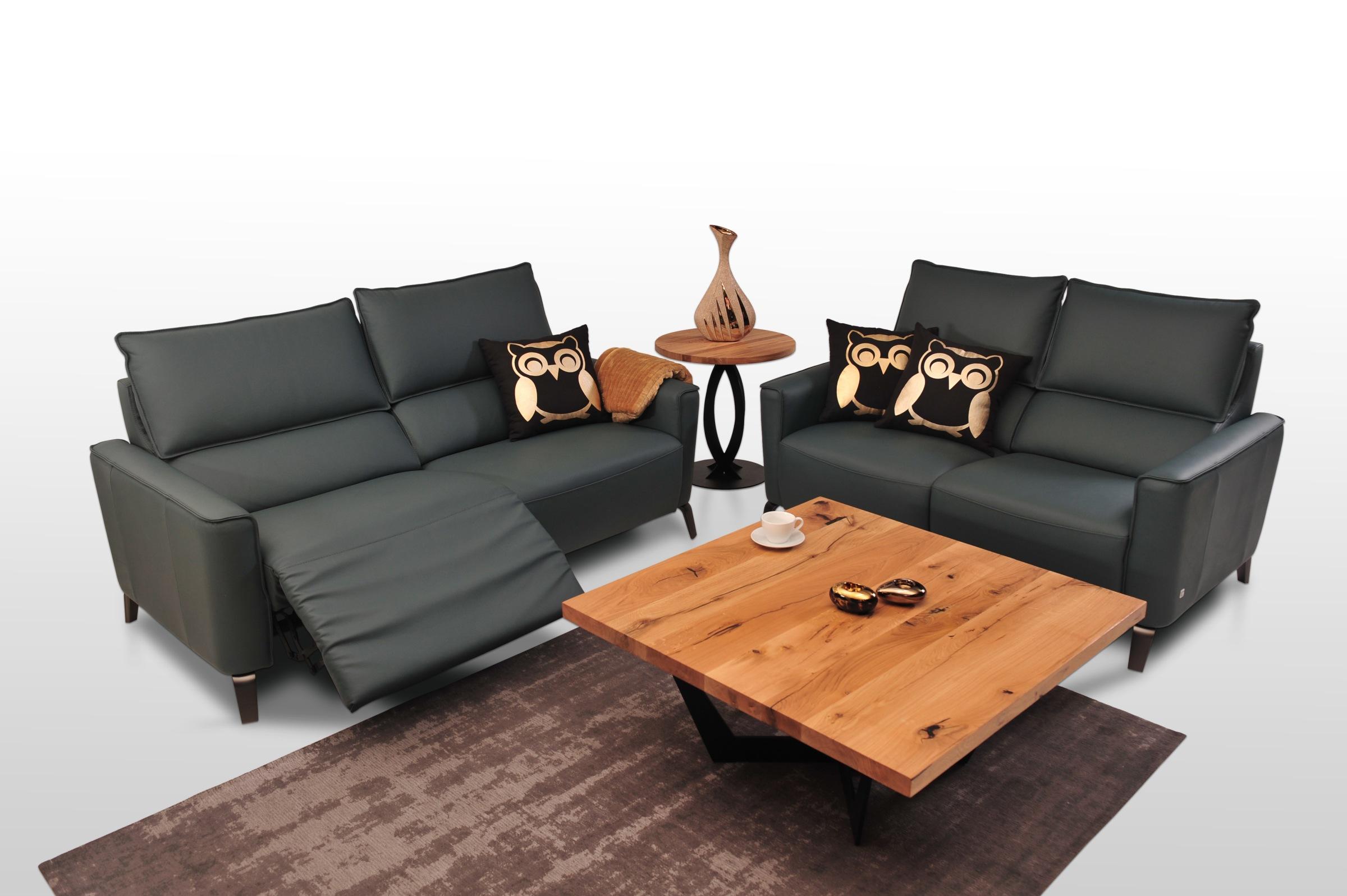 Aviva II - wygodny komplet wypoczynkowy 2+2 do nowoczesnego wnętrza salonu, sofy skórzane z wąskim bokiem i szerokimi siedziskami