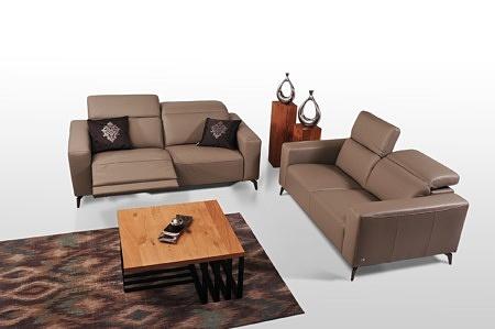Brązowy elegancki komplet wypoczynkowy do salonu - dwie sofy klasy premium, funkcja relaks elektryczny, regulowane zagłówki, skórzane obicie