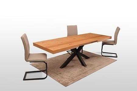 Ładny i komfortowy stół na metalowej nodze stabilna rama nowoczesny styl rozkładany blat