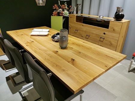 Piękny stół z blatem z litego drewna loft sty