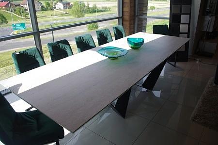 Stół prostokatny ze spieku kwarcowego