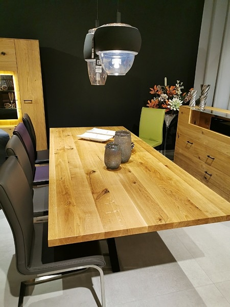 Stół z dużym blatem drewnianym lity   dąb
