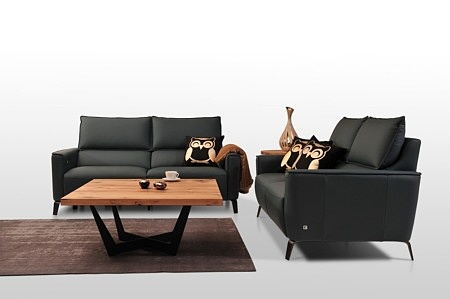Dwie czarne sofy skórzane - komplet wypoczynkowy 2+2, sofy 2-osobowe - nowoczesny elegancki zestaw do salonu