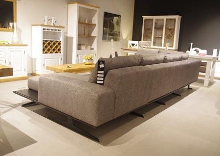 Tył narożnika Rimini nowoczesny poduszkowiec czarne nogi