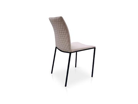 Dobrze wyprofilowane wygodne krzesełko na 4 nogach z tkaniny aksamitnej