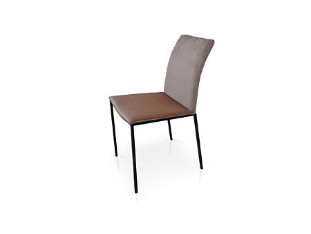 Krzesło chloe na czarnej metalowej nodze