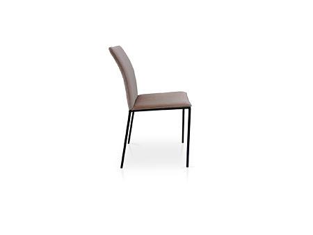 Krzesło na 4 nóżkach metalowych z pikowanym oparciem
