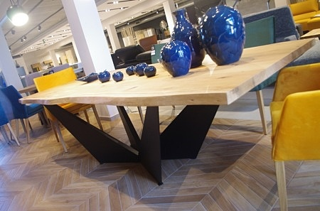 Stół Clif industrialny do salonu z blatem dębowym