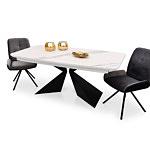 Stół z ciemnoszarymi krzesłami na metalowych nóżkach