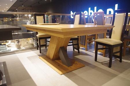 Industrialny stół do jadalni