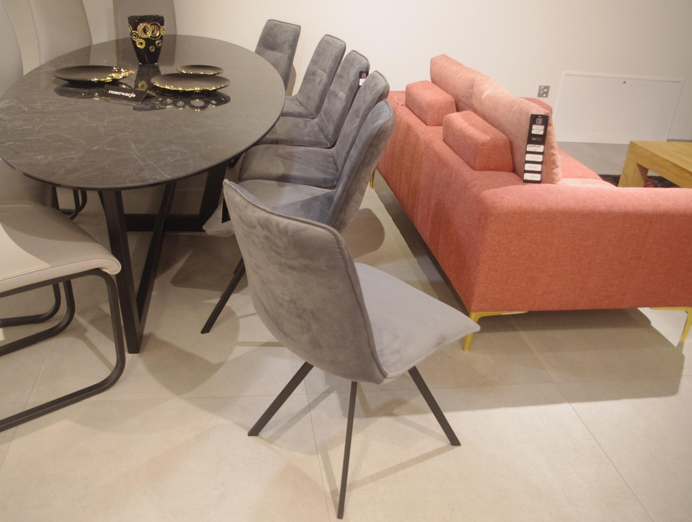 Krzesła do salonu nowoczesnego