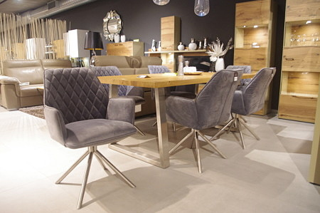 Krzesła foteliki pikowane