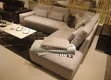 Narożnik poduszkowiec we włoskim stylu