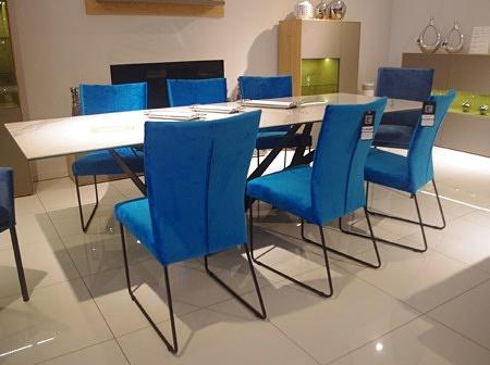 Salamandra krzesło niebieskie na płozach