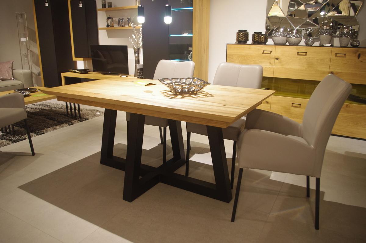 Stół pokojowy do salonu