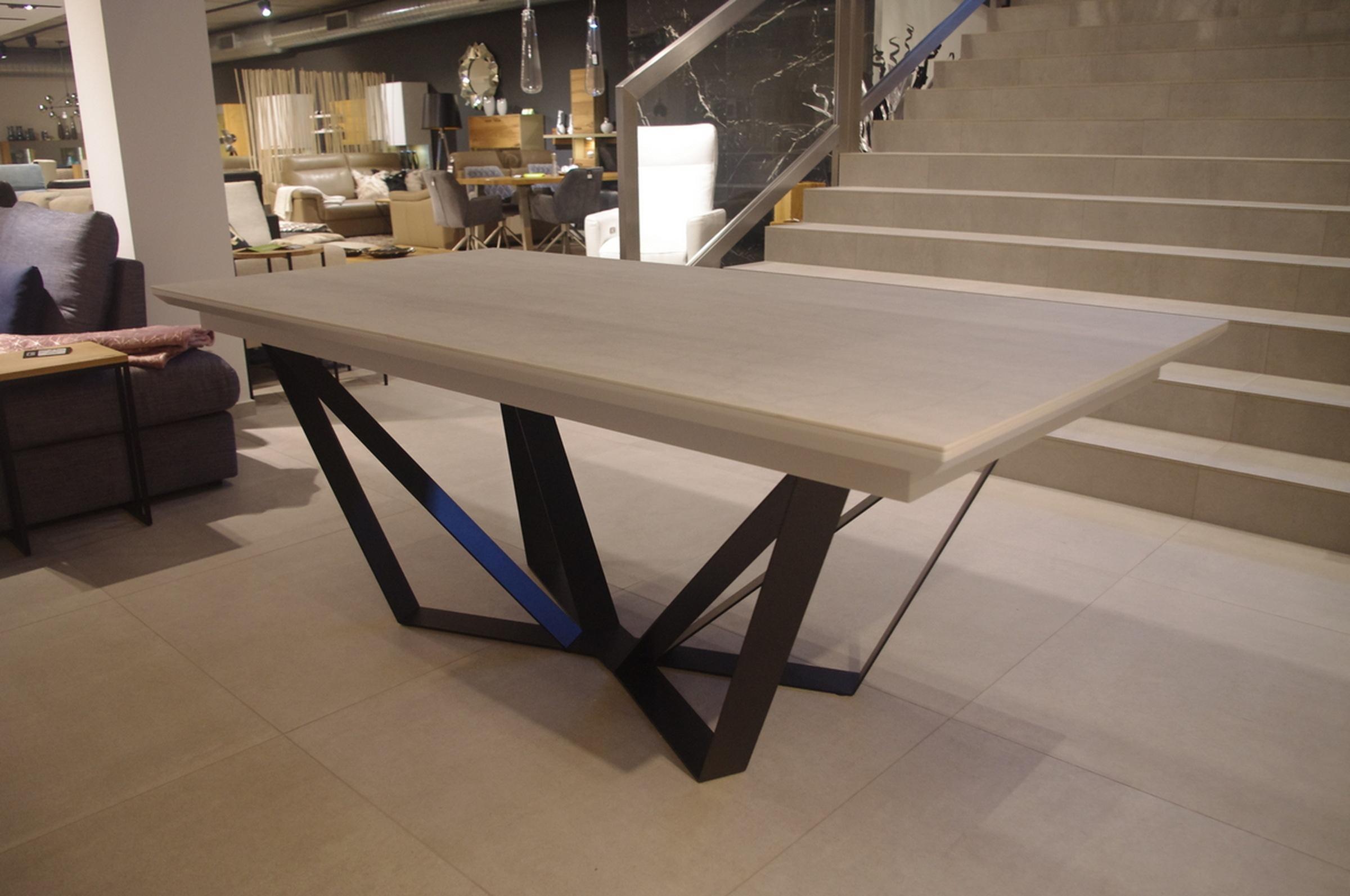 Stół rozkładany spiek kwarcowy kamień marmur