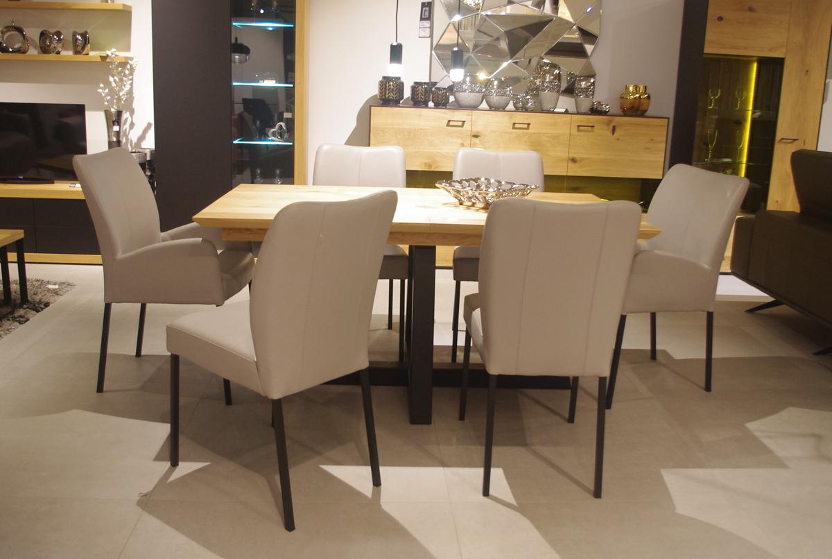 Szare krzesła nowoczesne