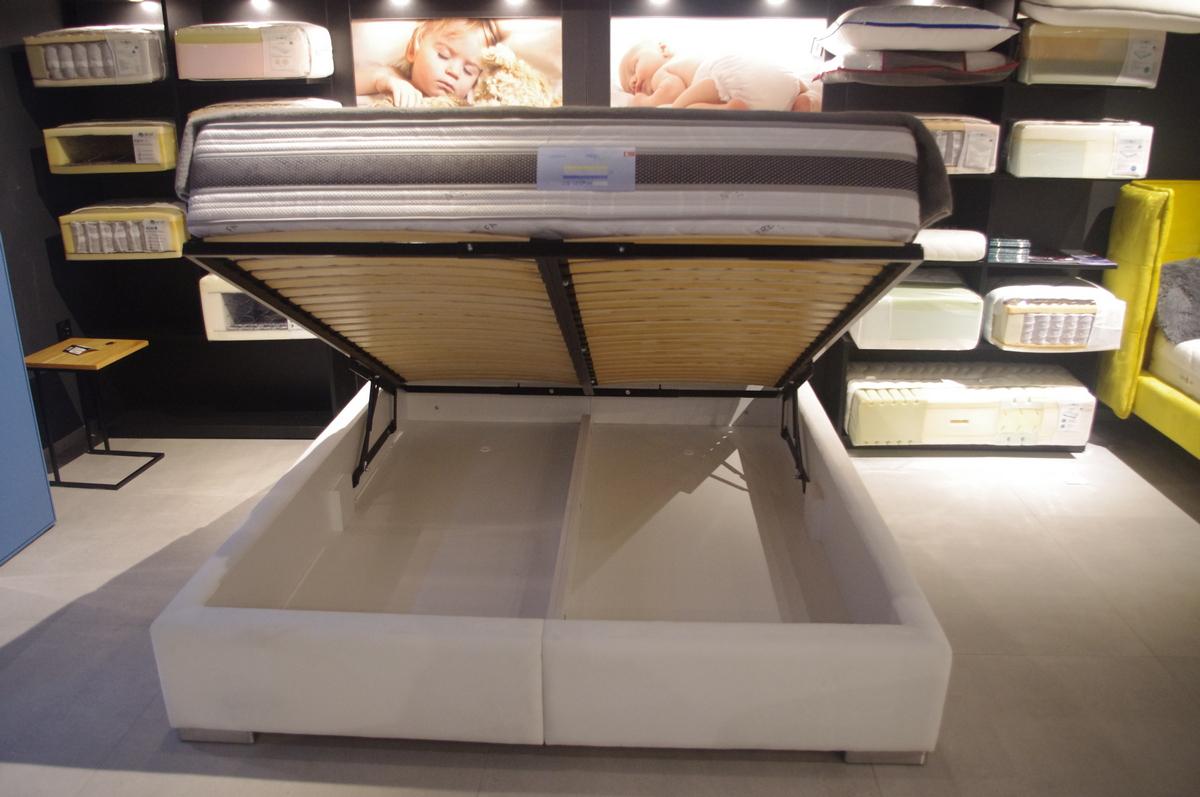 Nowoczesne łóżko tapicerowane loft