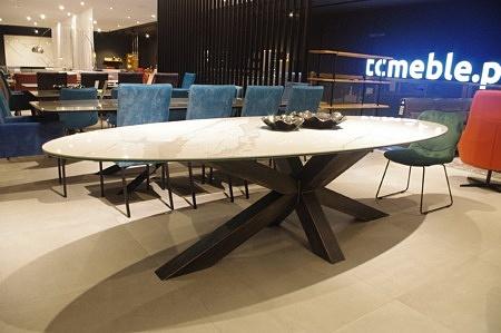 Duży stół ze spieku kwarcowego