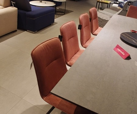 Krzesła róż tkanina