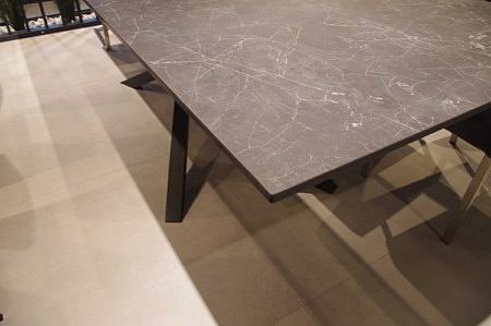 Spiek nero greco na stole