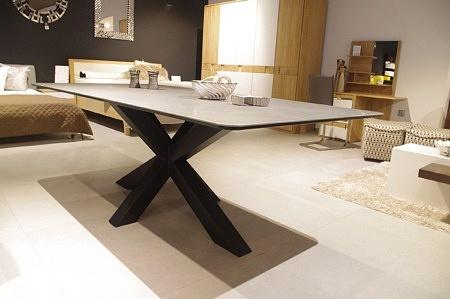 Stół bazalt z blatem ze spieku